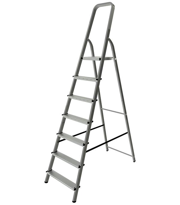 Стремянка Новая Высота стальная 7 ступеней свободностоящая стремянка krause monto solidy 8 ступенек рабочая высота 3 7 м 126269
