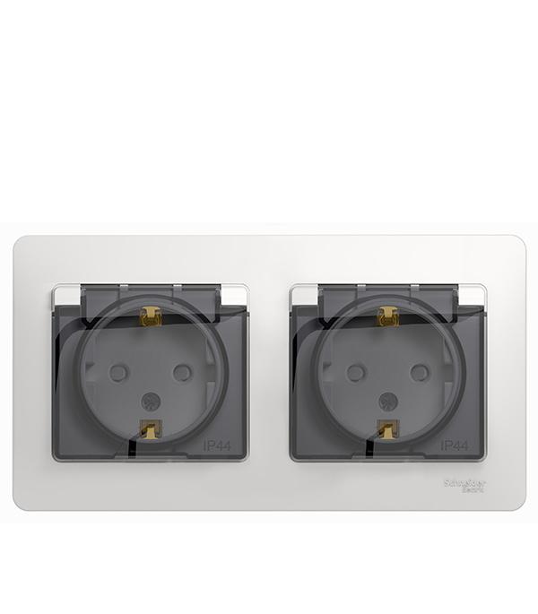 Розетка двойная Schneider Electric Glossa с/у с заземлением со шторками в сборе IP44 белый розетка abb bjb basic 55 шато 2 разъема с заземлением моноблок цвет чёрный