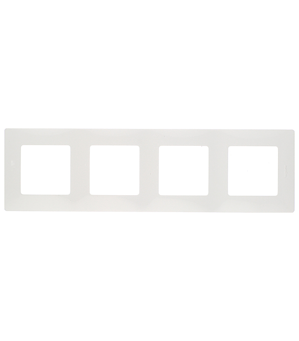 Рамка четырехместная универсальная Legrand Etika белая legrand рамка valena белая четырехместная