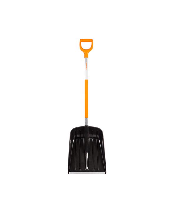 Лопата снеговая облегченная Fiskars SnowXpert лопата fiskars 131513 штыковая облегченная алюминевый черенок 1050х170мм 1120гр