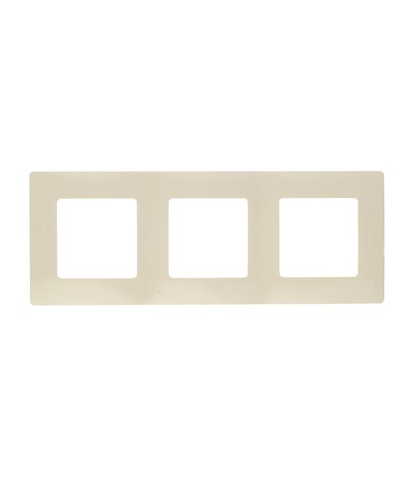 Рамка трехместная универсальная  Legrand Etika слоновая кость рамка legrand etika с защитной крышкой ip44 белый 672550