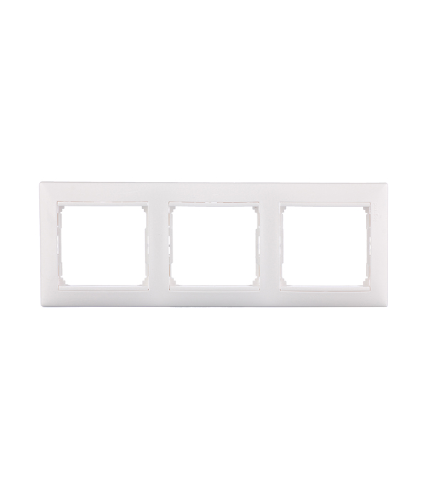 Рамка трехместная Legrand Valena белая ключ блокировки для розеток legrand 50299