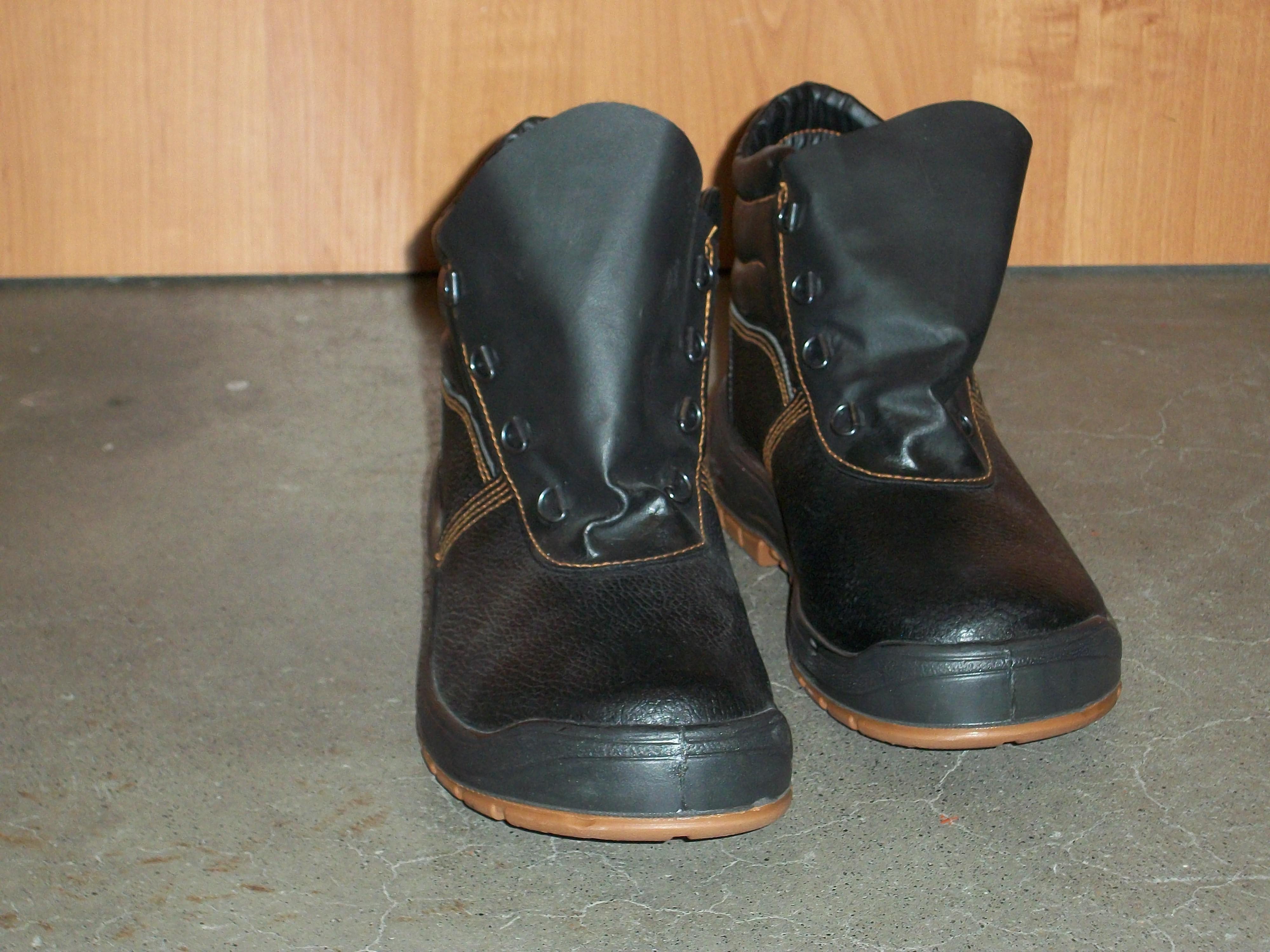 Ботинки  строительные, размер 43