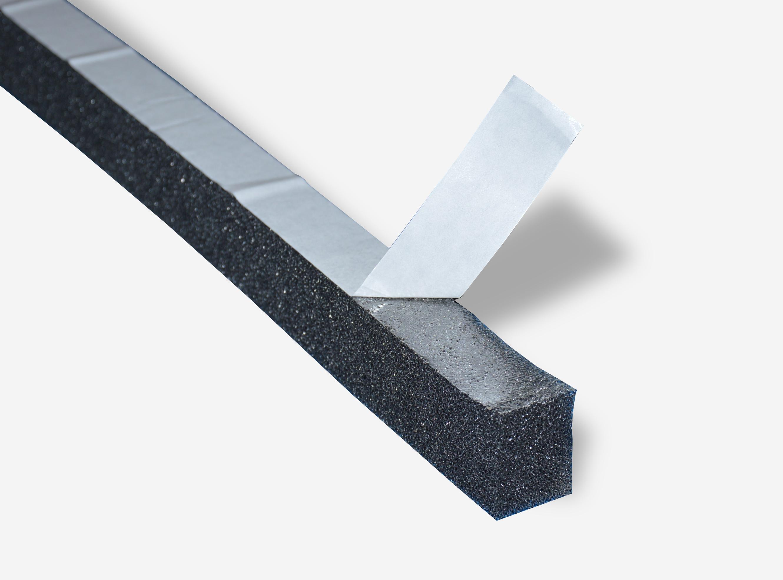 Уплотнитель для металлочерепицы самоклеящийся, 30х40 мм, 2 м