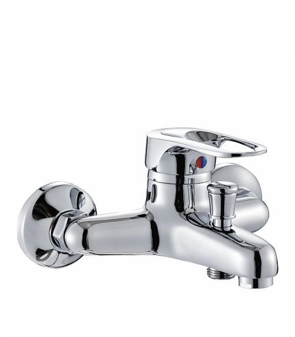Смеситель CRON CN 3204 для ванны  смеситель для ванны cron cn 2142 с длинным изливом